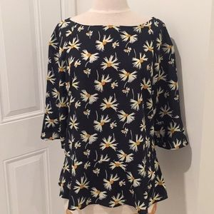 Sz M Banana Republic Daisy blouse